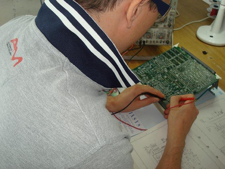 Schemi Elettrici Bordo Macchina : Progettazione impianti elettrici per automazione industriale