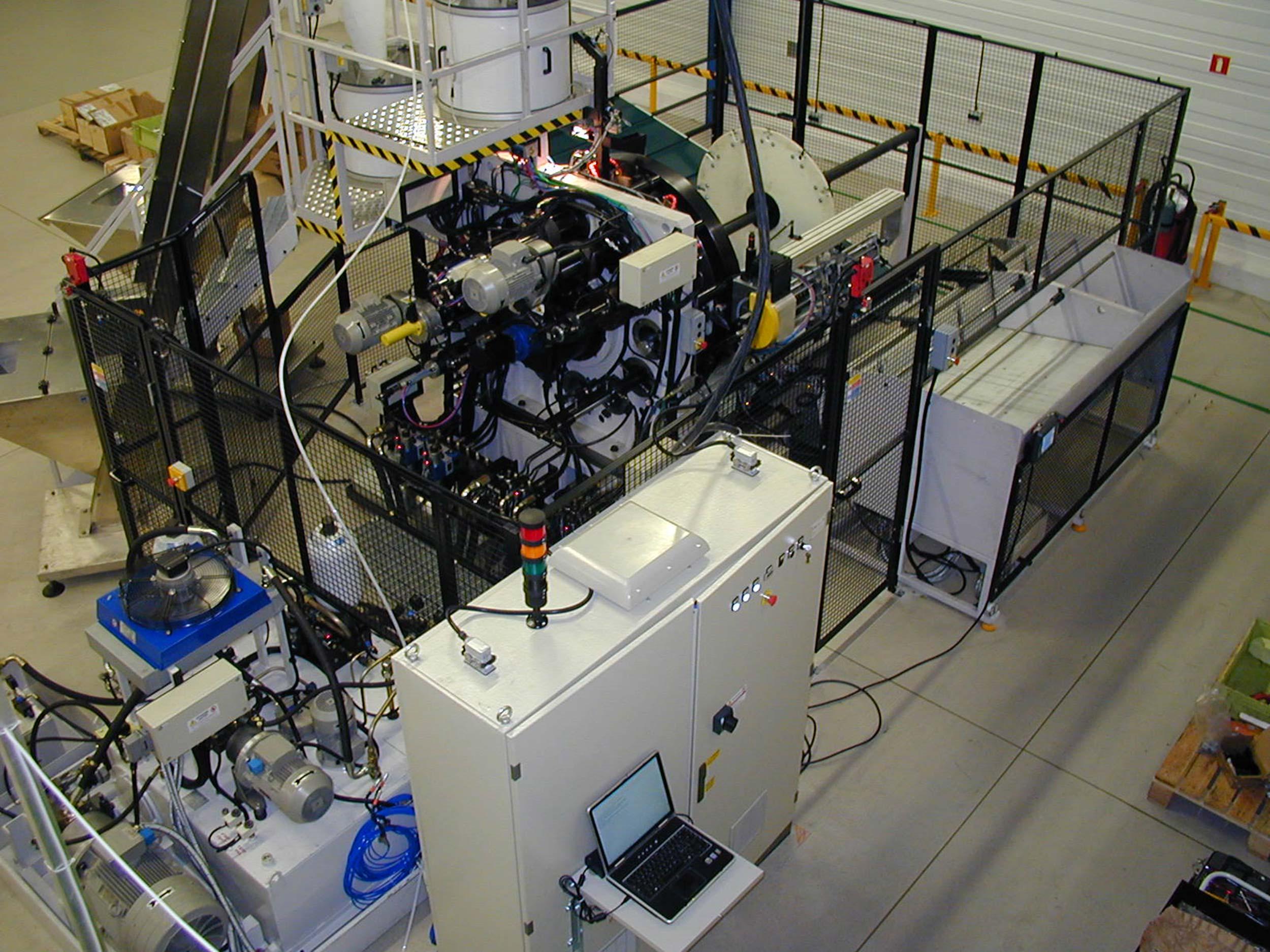 Schemi Elettrici Macchine Industriali : Progettazione quadri elettrici e software per automazione brescia